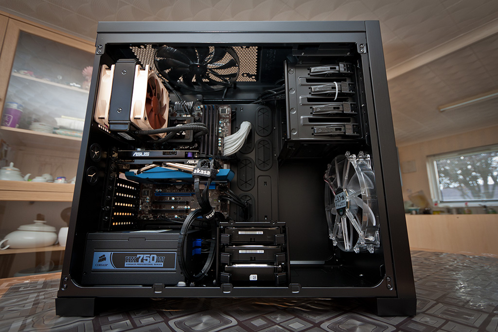 pc_650D_side-NZXTATX.jpg